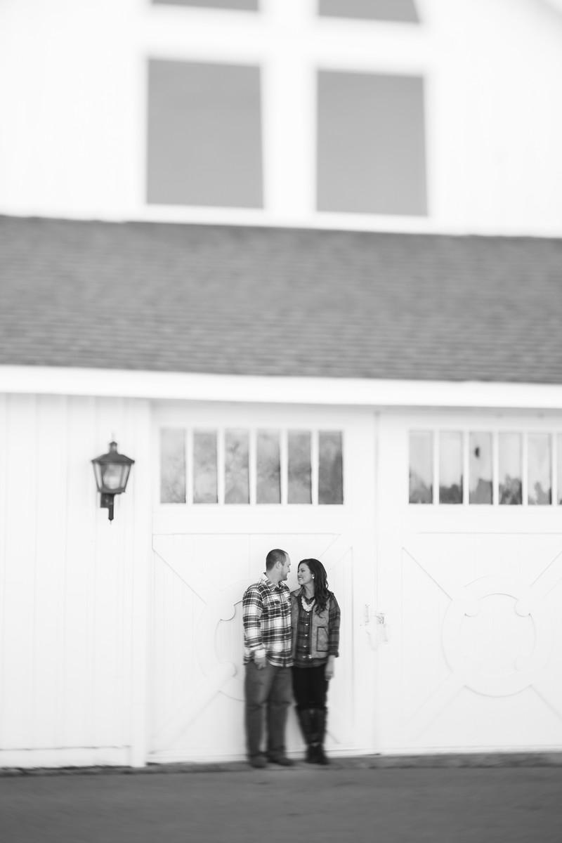013_Josh+Lindsey_EngagementBW-X3.jpg