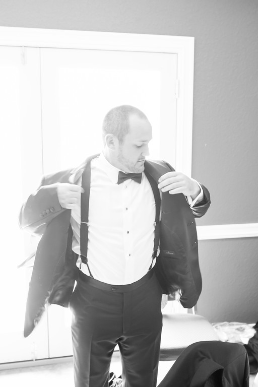 0168_Josh+Lindsey_WeddingBW-XL.jpg