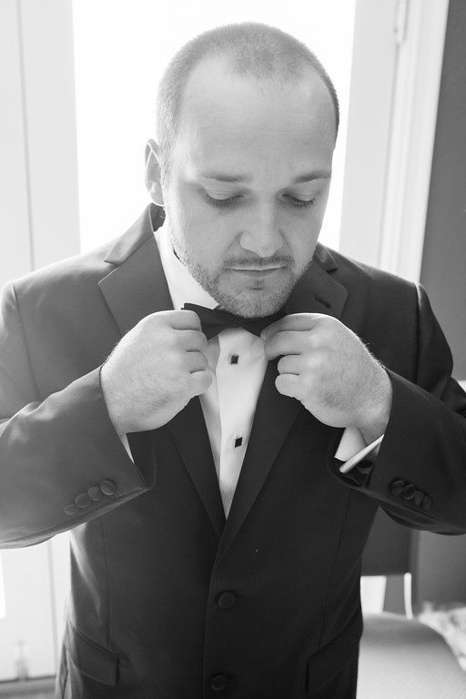 0170_Josh+Lindsey_WeddingBW-XL.jpg