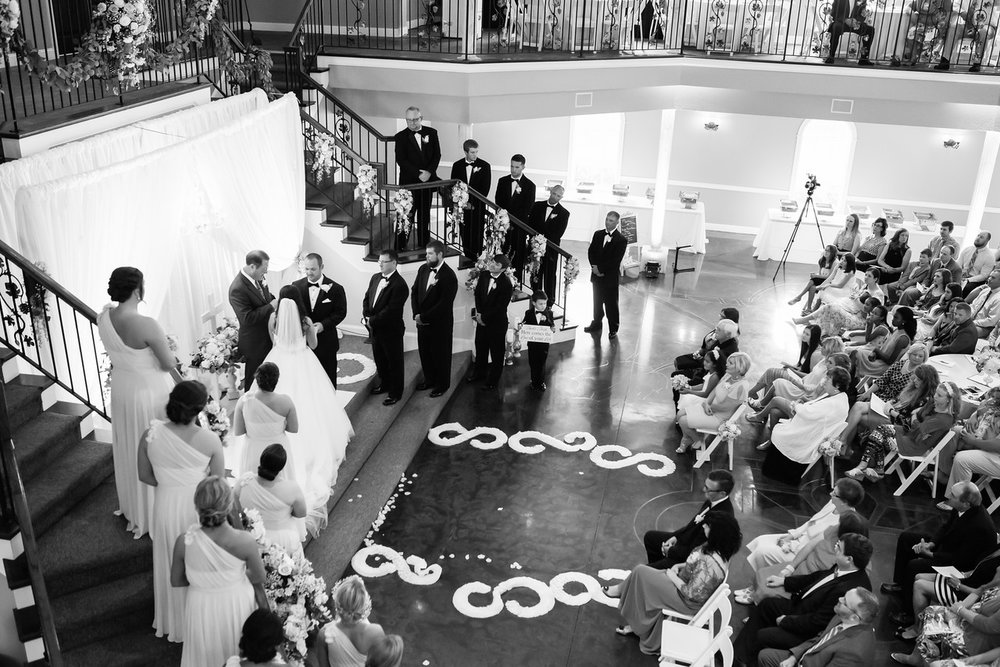 0670_Josh+Lindsey_WeddingBW-X2.jpg