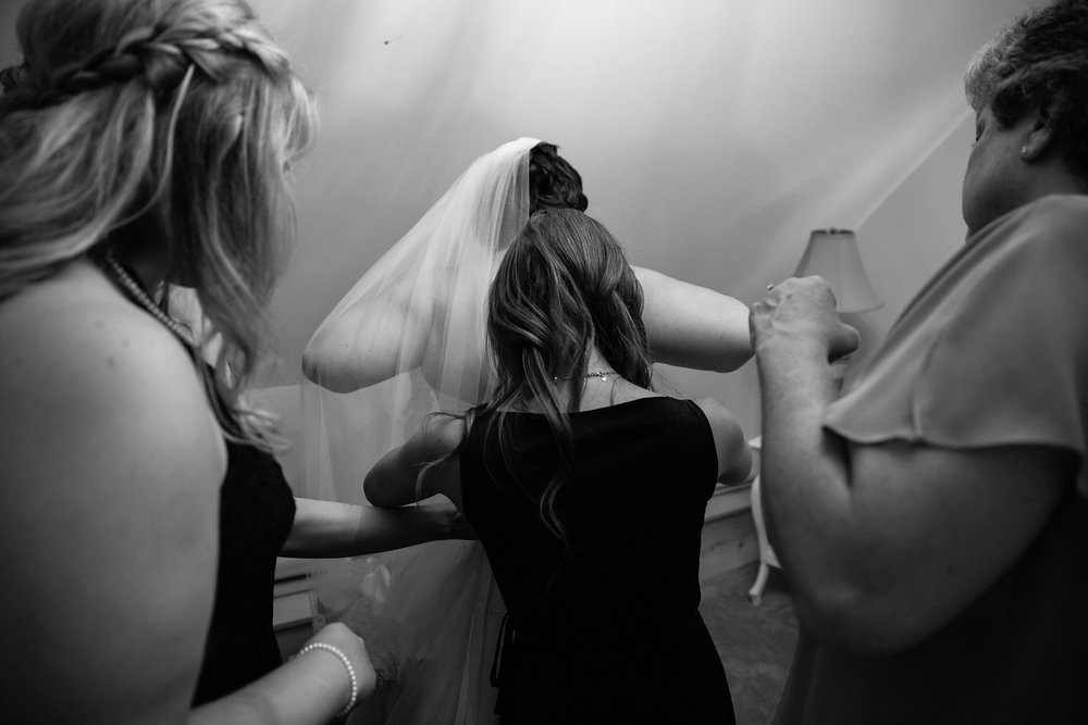 071_Chris+Hannah_WeddingBW-X2.jpg