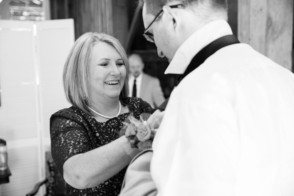 187_Chris+Hannah_WeddingBW-X2.jpg