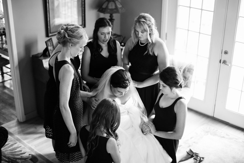 264_Chris+Hannah_WeddingBW-X2.jpg
