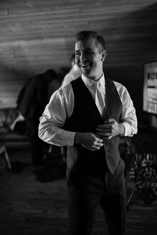 153_Martin+Victoria_WeddingBW-XL.jpg