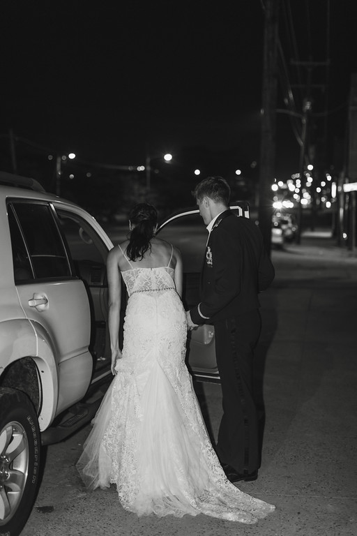 984_Anthony+Laura_WeddingBW-XL.jpg