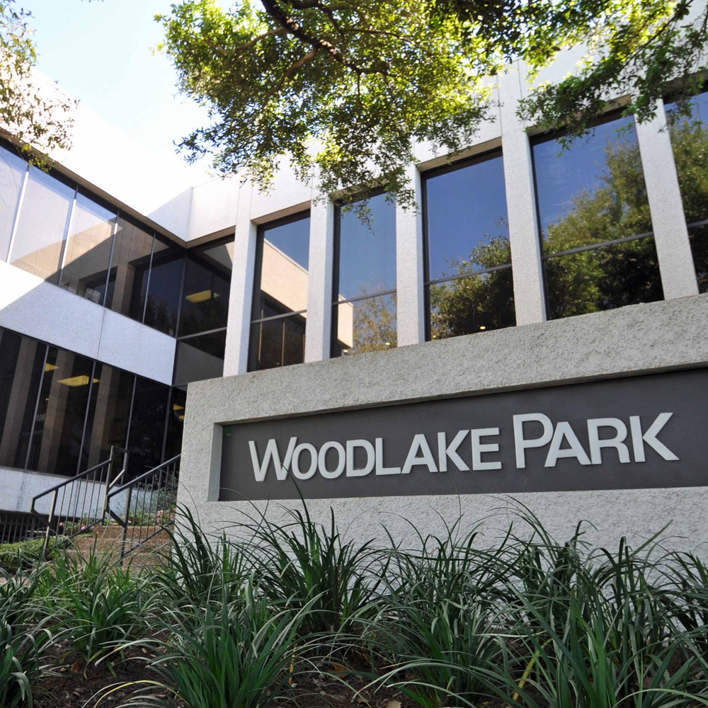 COMMERCIAL REAL ESTATE  Woodlake Park