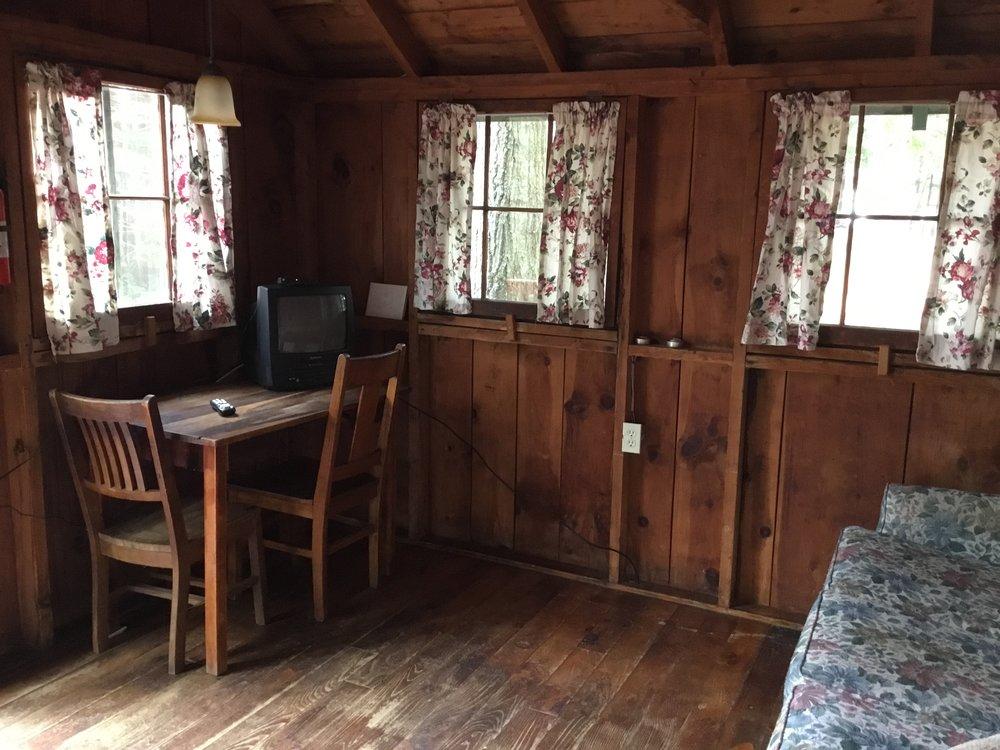 Cabin3e.JPG