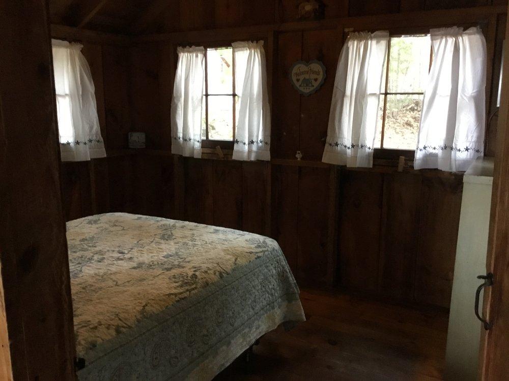 Cabin3f.JPG