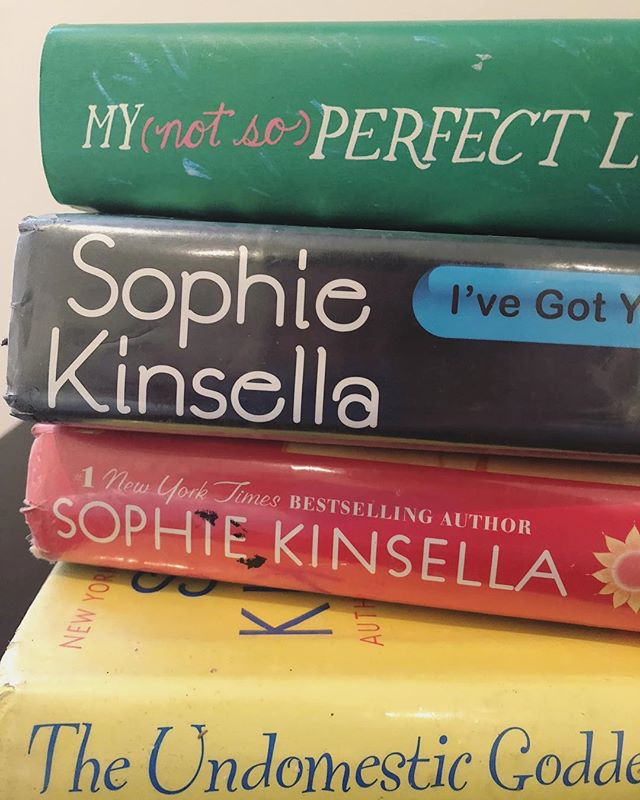 Dropping out of a PhD program that wasn't right was rough, and feeling like that meant I wasn't a reader anymore was worse. Happy I somehow picked up a light, lovely @sophiekinsellawriter romance novel and started reading again. Wrote about it for @bustle. Link in bio!