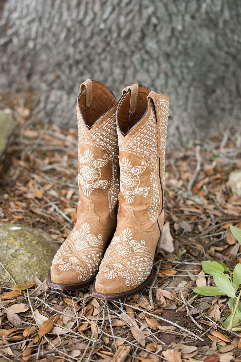 11 Gemstone studded boots for a texas wedding.jpg