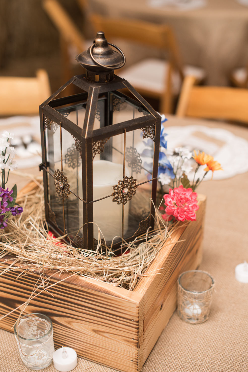 61 reception centerpiece in barn wedding.jpg