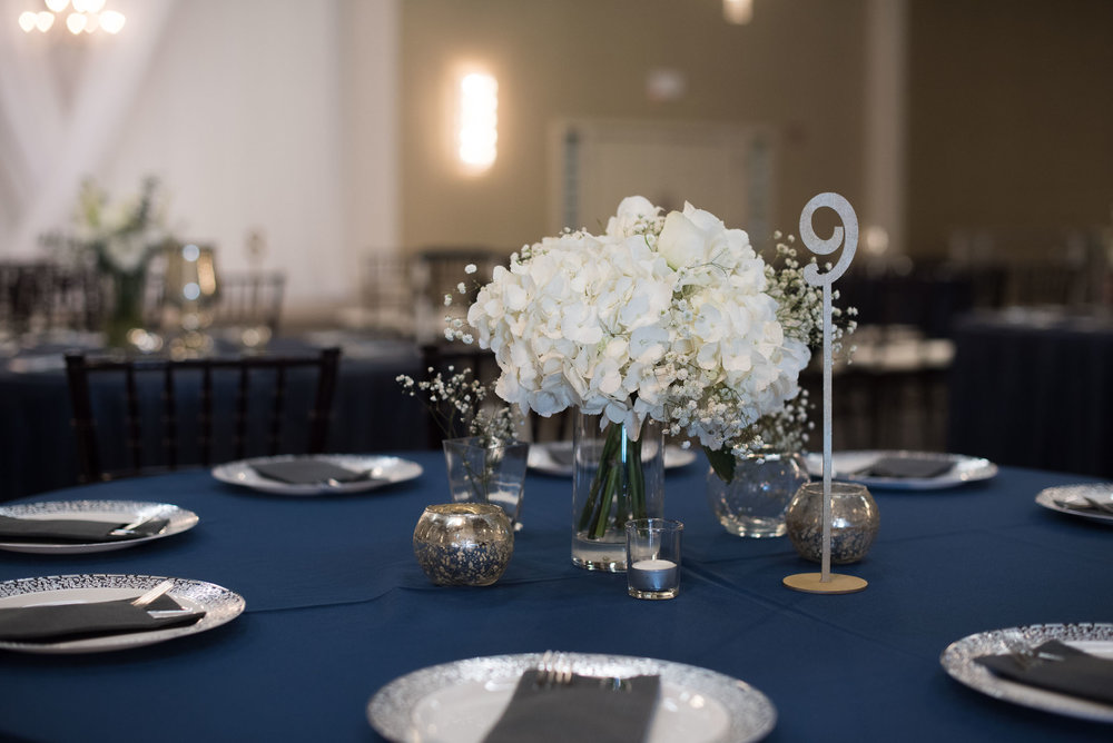 81 navy blue table centerpieces.jpg