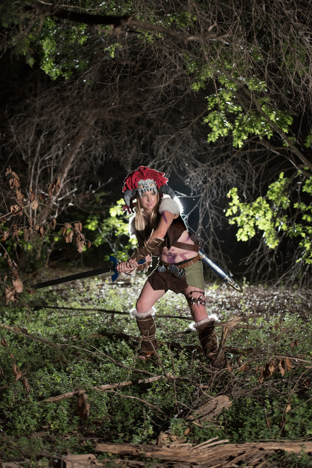 female link in barbarian cosplay.jpg
