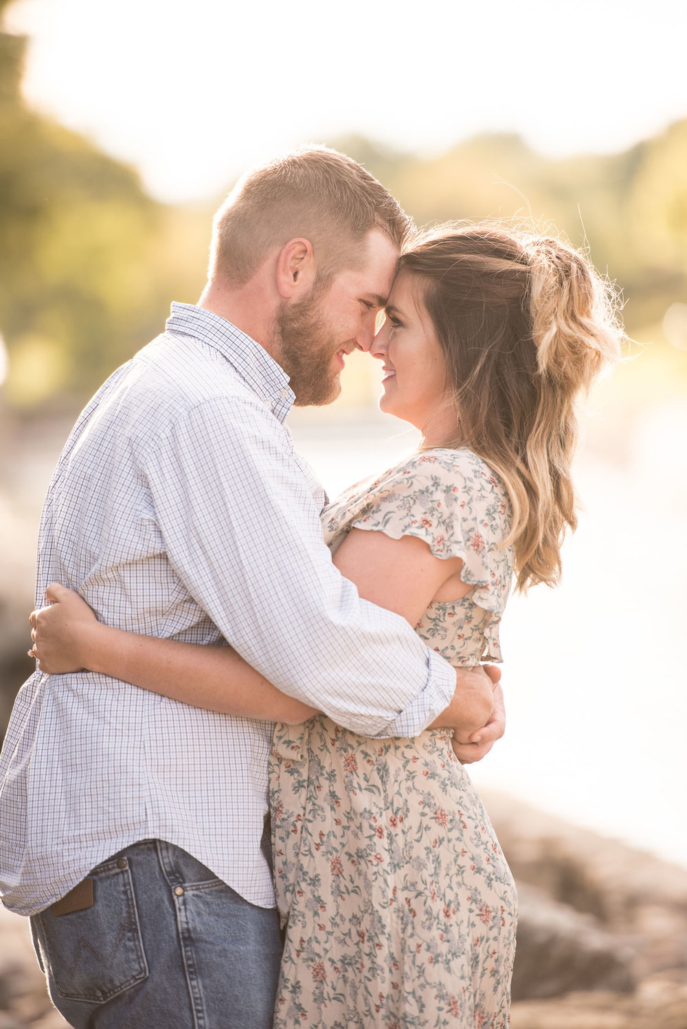 17 golden hour engagement session.jpg