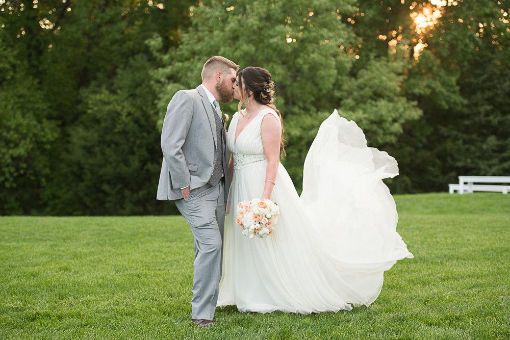 125 bride and groom texas wedding.jpg
