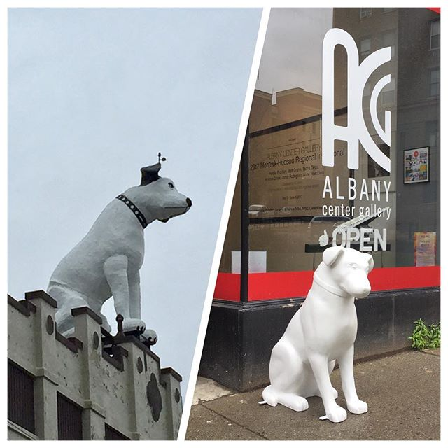 Before heading to @albanycentergallery to pick up Matt's dog he stopped by the giant #nipper for a little #inspiration. Very excited to be a part of #albanyispawsome with @downtownalbany. #downtownalbany #albanyny #albany #forkartgetbent #forkart #nipperdog #localart #publicart