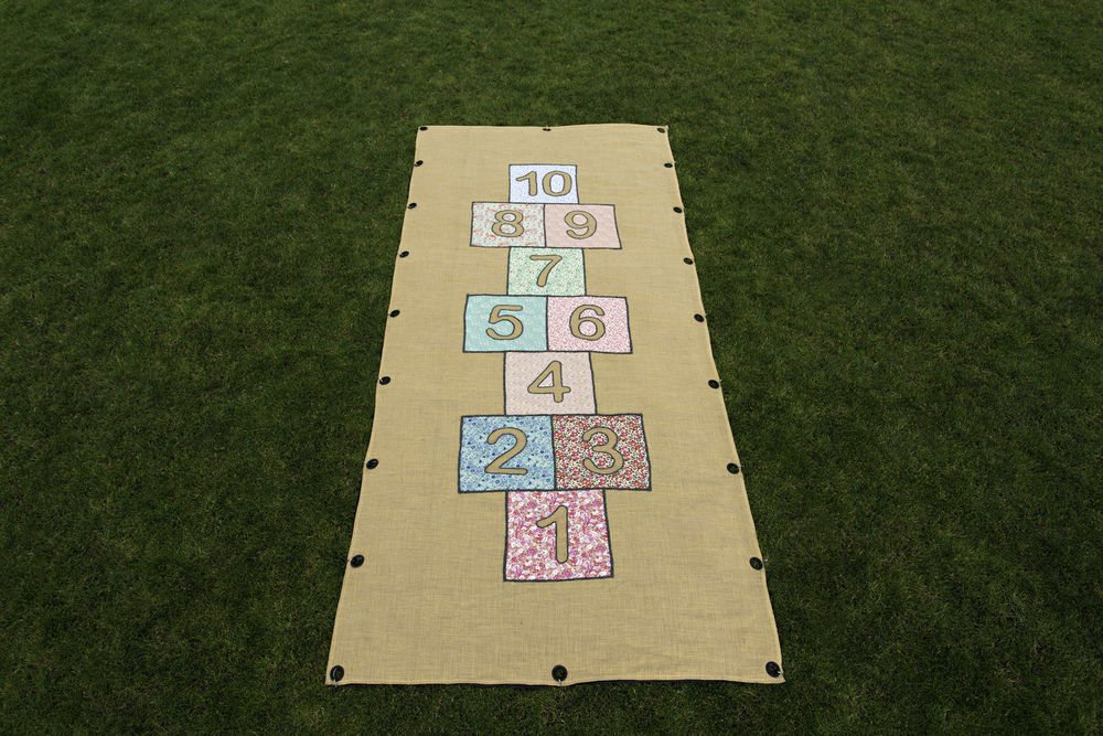 Hopscotch_Games_On_the_green_001.jpg