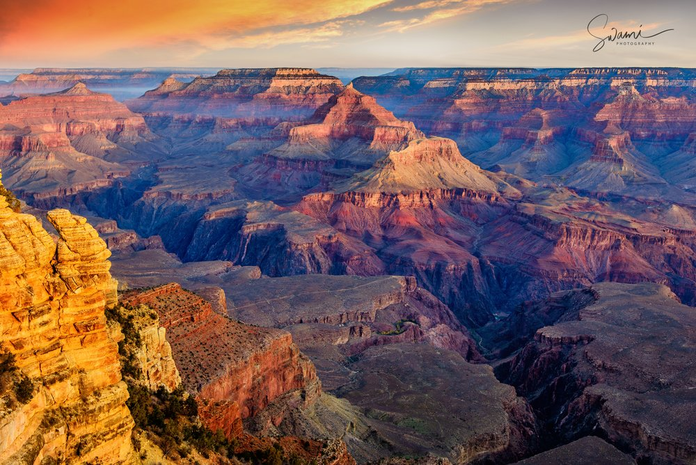 Sunrise at the Grand Canyon.