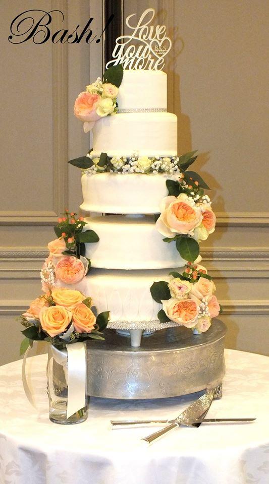 flowerweddingcake.jpg