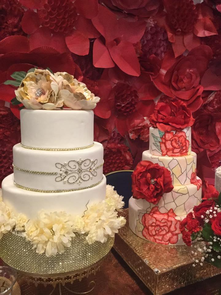 2 cakes red 7 white.jpg