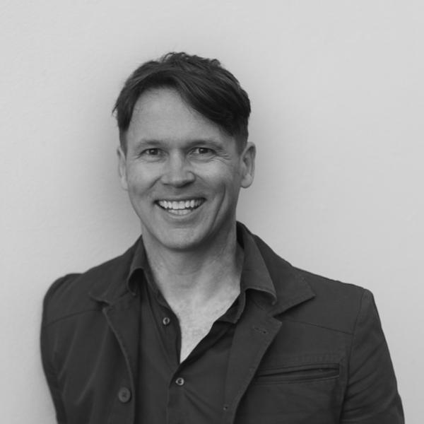 Nils Vesk headshot photo smiling