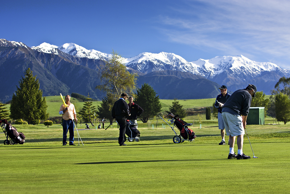 Kaikoura has two golf courses to choose from.