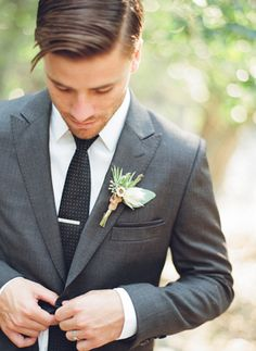 MEN'S TAILORING & STYLE CONSULTING