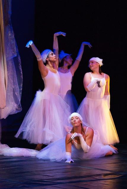 Swans: Jennifer Beauchamp, Ann Marie Hauck, Danielle DiVito, Jenny Carlson (floor)