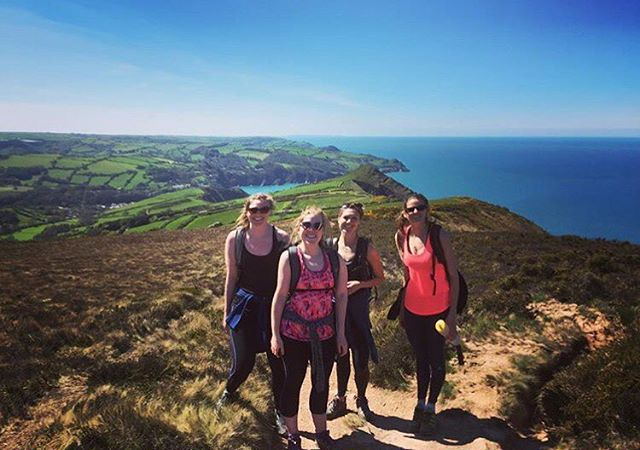 Can't wait for an action filled day on four legs and water today. The British coastline in all its glory yesterday 🐴🌊. #outdoorwomen #girlswhohike #hiking #girlsexplore #wonderfulwildwomen #coastpath #spring