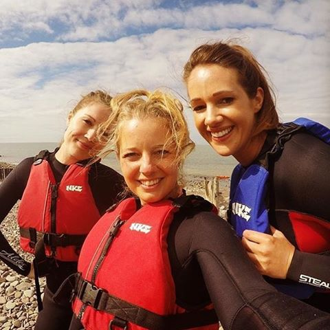 So it is possible to look good in a wetsuit and buoyancy aid as shown by @__kelbel @dmitchell_danielle @hannahduguyver. Kayak fun awaits...!! #outdoorwomen #girlsexplore #spring #coast #kayaking #girlswhohike #beach #porlockweir