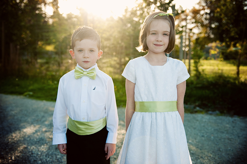 flower girl and boy posing for a porrait, sea cider farm and ciderhouse