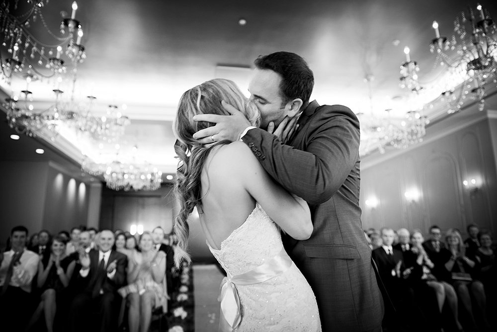 wedding kiss, union club vancouver