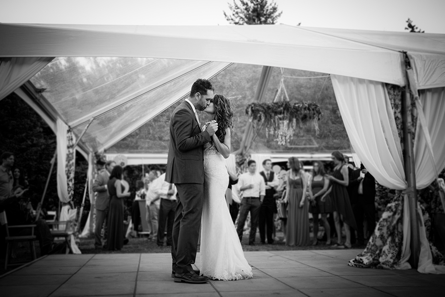 31550_335_storytelling-wedding-photographer.jpg