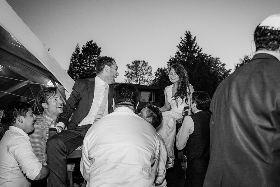 33550_367_storytelling-wedding-photographer.jpg