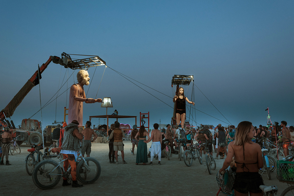 19100_28899_burningman2018_helenecyr.jpg