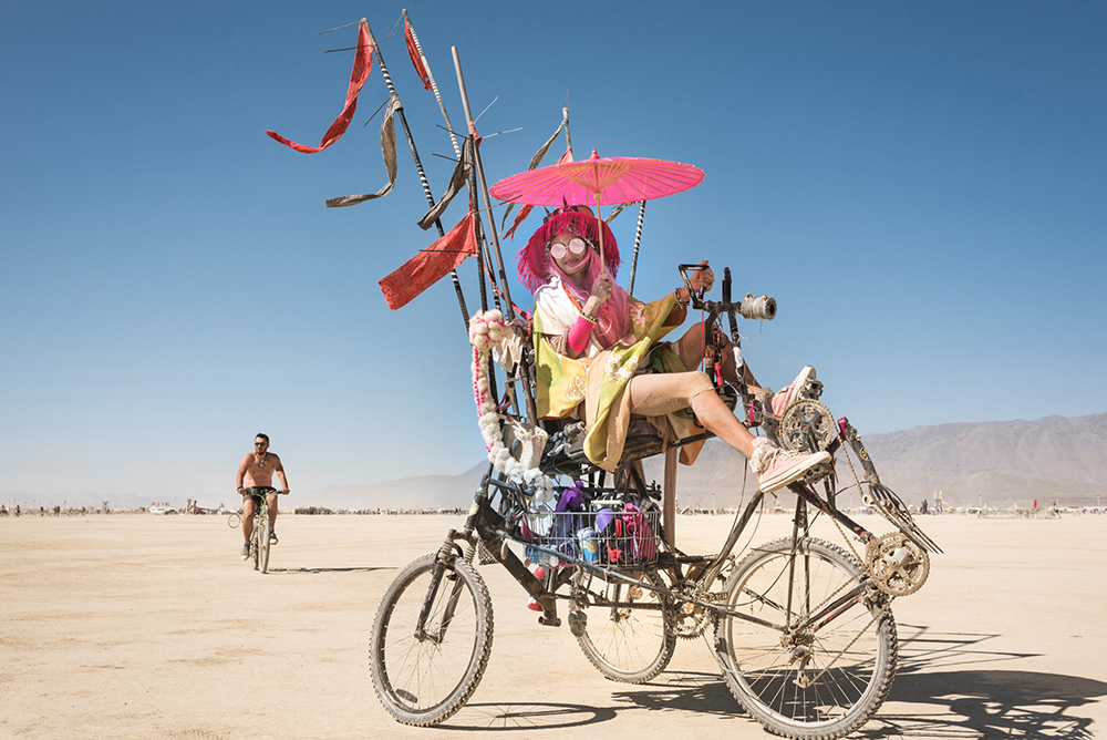 21100_28982_burningman2018_helenecyr.jpg