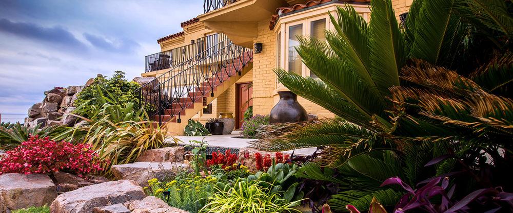 Pantai Inn & Cottages