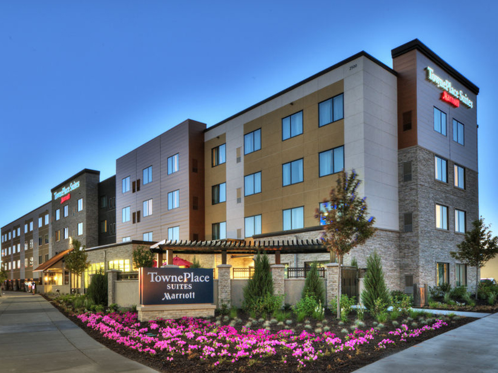 TownePlace Suites by Marriott - Rate per night: $141 (rate good until May 31)Location: 2500 Lindau Lane, Bloomington, MN, 55425Phone: 952-540-4000Distance from Evergreen: 1.0 miles (20 minute walk)Breakfast includedParking: ComplimentaryShuttle service: Free to airport & Mall of America