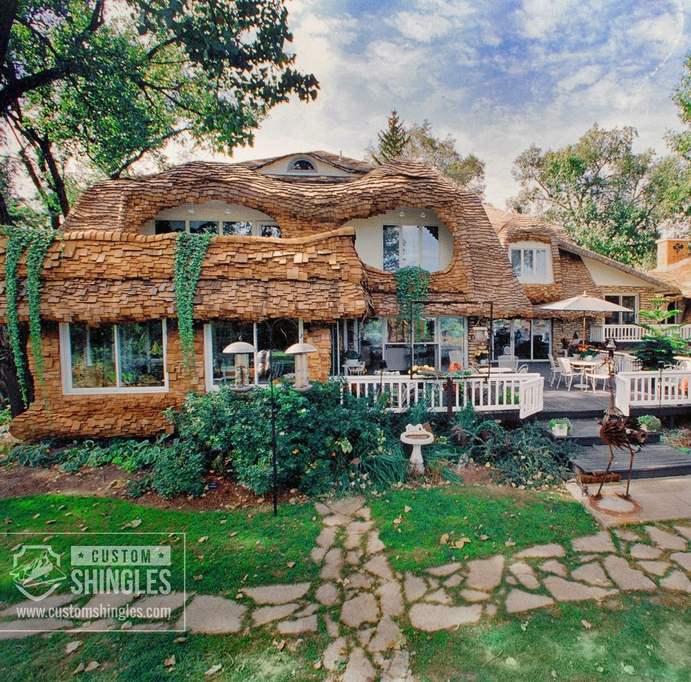 Custom-Staggered-Cedar-Storybook-Roof-Illinois-(5)+copy.jpg