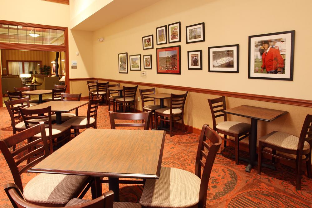 CMHOL-HIEX-COLUMBUS-Breakfast Room2.jpg