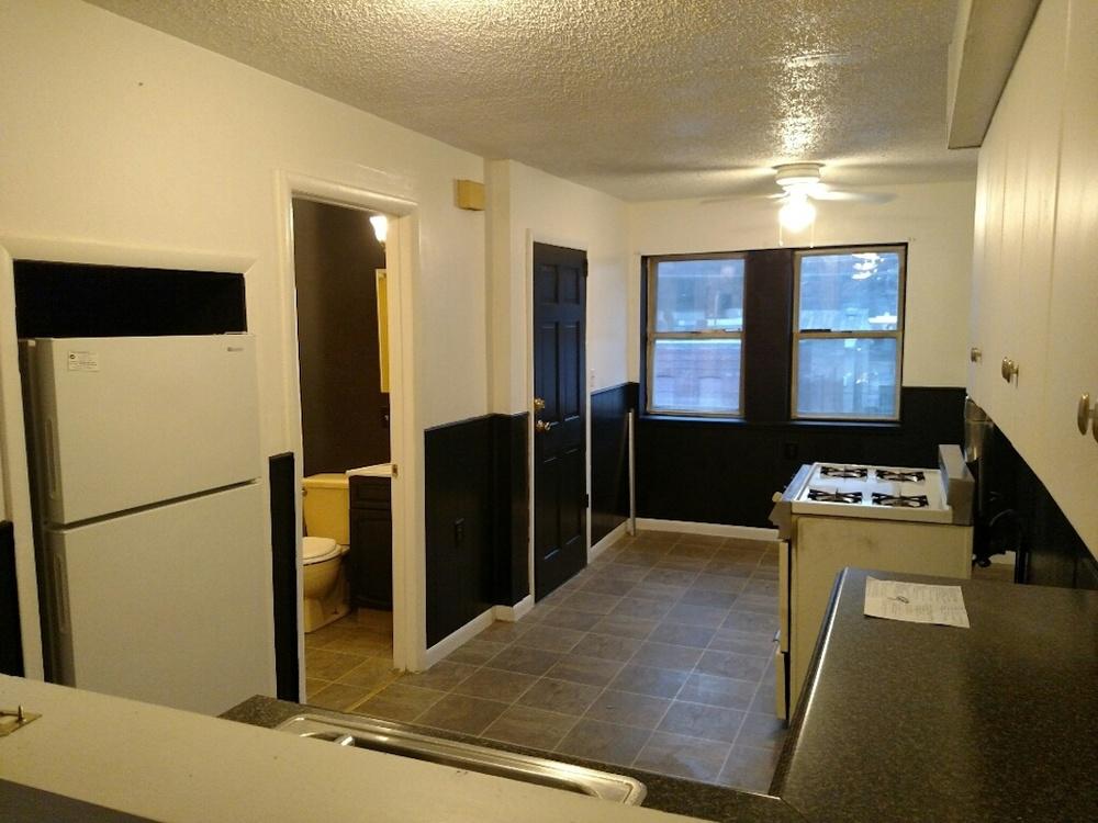 196#3 Kitchen 1.jpg