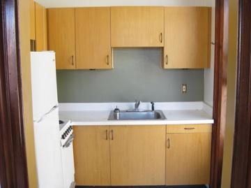 38#7 Kitchen.jpg
