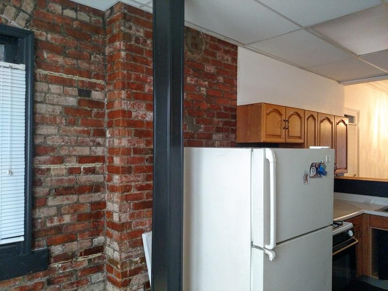 196#2 Kitchen 4.jpg