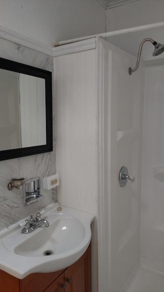 122#4 Bathroom 2.jpg