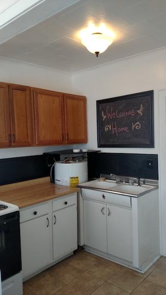 122#4 Kitchen 1.jpg
