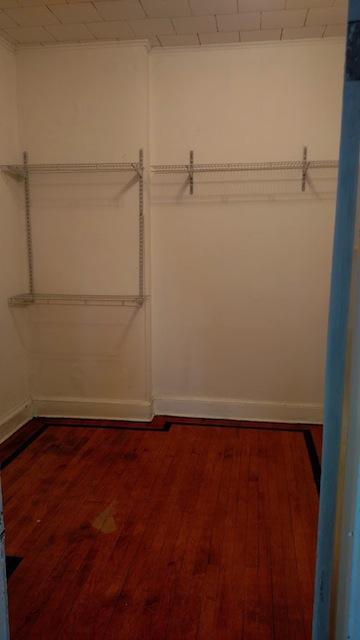 122#3 closet bedroom.jpg