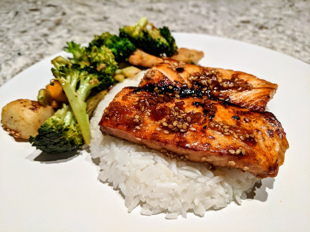 One of the simplest and quickest meals I whipped up for my husband and I at home is salmon teriyaki and stir fried broccoli over rice
