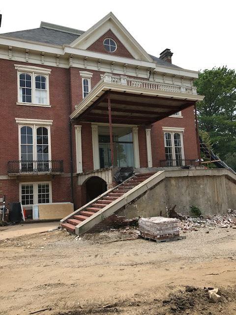 Mansion staircase -min.jpg