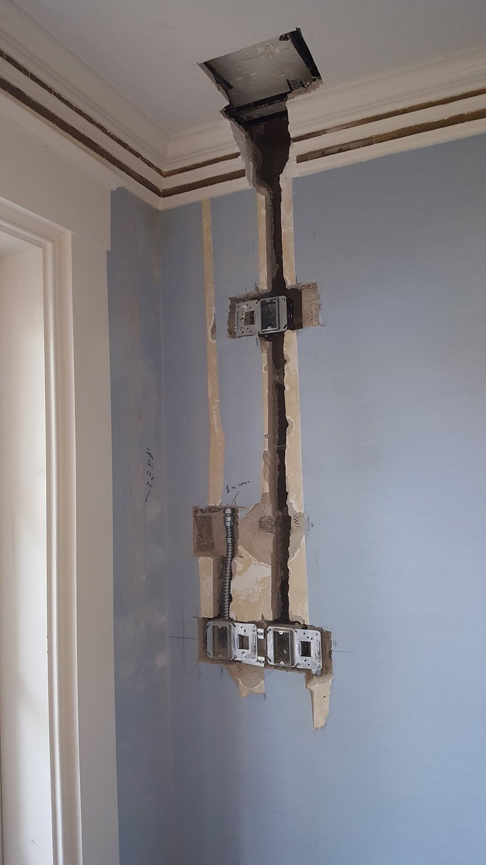 Electrical rough in on the ground floor 2-min.jpg