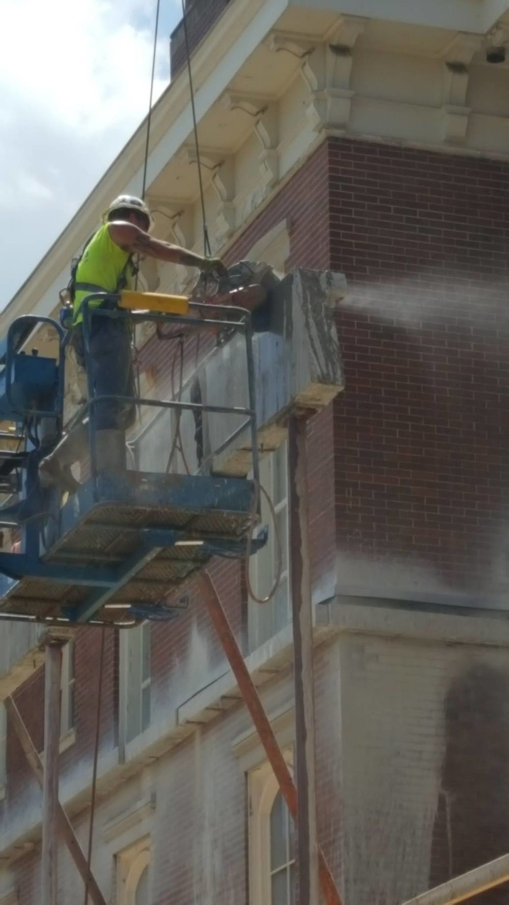 Removing the concrete outer beam close up-min.jpg